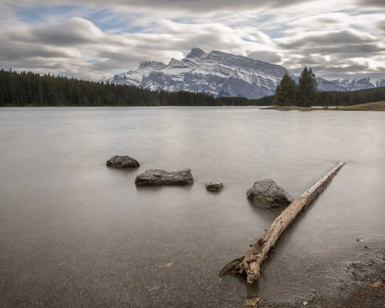 Mt.-Rundle-at-Two-Jack-Lake